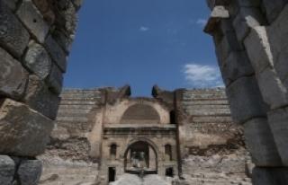 İznik'te Roma, Bizans ve Osmanlı dönemine...