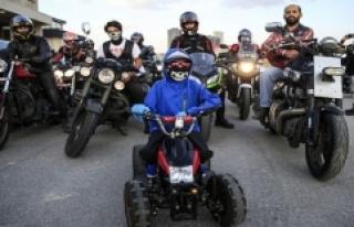 Motosiklet tutkunlarından lösemiyi yenen Yusuf Ege'ye...