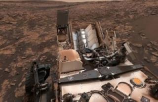 NASA, Curiosity'nin öz çekim fotoğrafını...