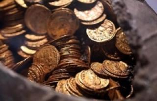 Roma dönemine ait altın paralar bulundu