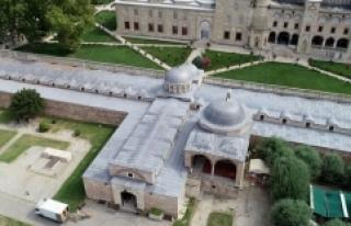 Selimiye Arastası her sabah esnafın bereket duasıyla...