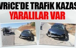Sivrice'de Trafik Kazası Meydana Geldi! Yaralılar...