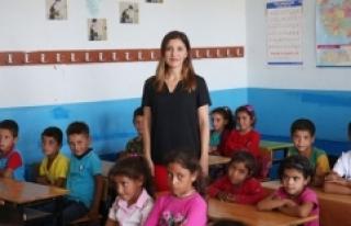 Urfa dağlarının Ceylan öğretmeni öğrencilerini...