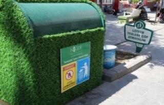 Yeni Çarşı'da çöp konteynerleri yeşillendi