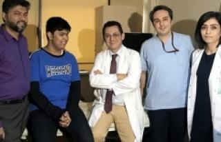 Hindistan asıllı genç Türkiye'de şifa buldu