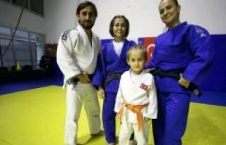 """""""Judogiller"""" olarak bilinen çift, sporu..."""