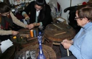 Alman kadınlar Türk geleneksel el sanatlarını...