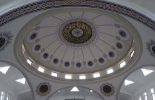 Hat sanatıyla dünyanın dört bir yanındaki camileri...