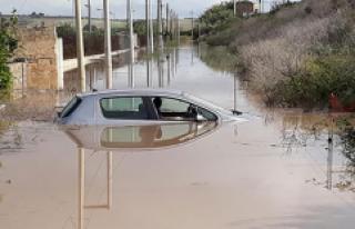 İtalya'da sel felaketinde 29 kişi hayatını...