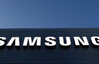 Samsung Katlamaya Başladı: Katlanabilir Akıllı...