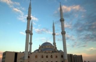 Şanlıurfa'da camilerin estetiği nahit taşıyla...