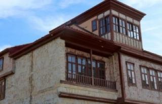 Sivil mimari örneği olarak tescillenen Bayburt evleri...