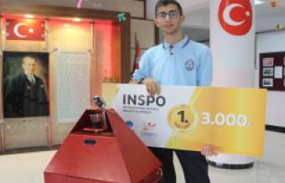 Türk öğrencinin robotu 386 proje arasında birinci...