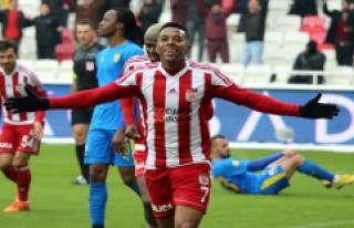 Medipol Başakşehir, Sivasspor'un Yıldız Oyuncusu...