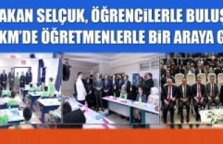 Bakan Selçuk, Öğrencilerle Buluştu AKM'de Öğretmenlerle...
