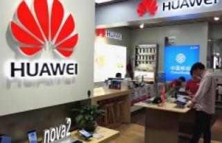 Samsung, Huawei'nin Maruz Kaldığı Suçlamalardan...