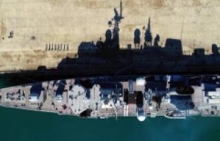 Trabzon'da kurulacak üsse ilk askeri gemi demirledi