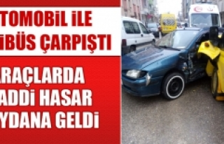Otomobil İle Minibüs Çarpıştı, Araçlarda Maddi...