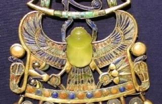 Tutankhamun'un Mezarındaki Bir Cam Parçasının...