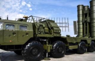 S-400'lerin malzemeleri Ankara'ya gelmeye...