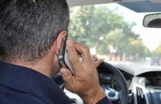 Araç kullanırken telefonla ilgilenmek neden tehlikeli?