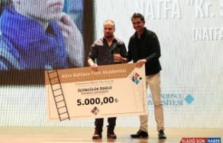 Altın Baklava Film Festivalinde ödüller sahiplerini...