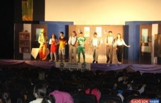 Çarşamba Belediyesi Tiyatro Topluluğunun ilk gösterisi...