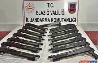 Elazığ'da 15 kaçak pompalı tüfek ele geçirildi