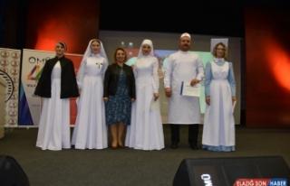 Geçmişten Günümüze Hemşire Kıyafetleri Defilesi