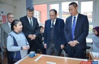 Huawei, Samsun'daki bir ortaokula 30 dizüstü bilgisayar...