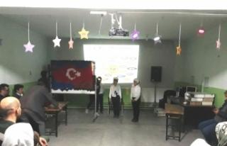 Köy okulunda şiir dinletisi