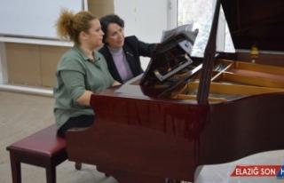 'Piyano Günleri'nde Seçil Akdil'den çalıştay