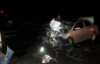 Van'da otomobil ile traktör çarpıştı: 6 yaralı