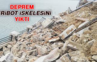 Deprem Feribot İskelesini Yıktı