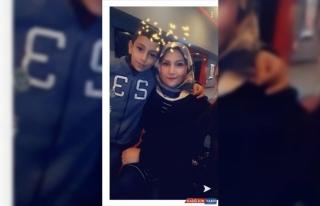 Elazığ'daki depremde hayatını kaybeden anne ve...