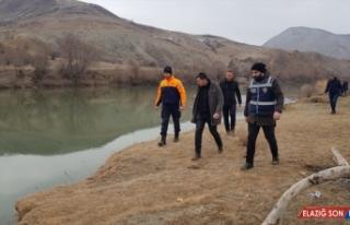 Erzincan'da kaybolan epilepsi hastasını arama çalışmaları...