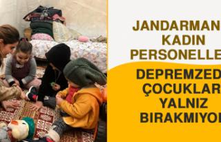 Jandarma Depremzede Çocukları Yalnız Bırakmıyor