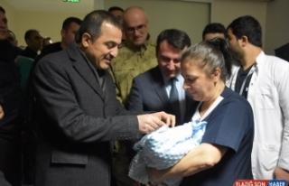 Kars'ta yılın ilk bebeği doğdu