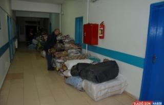Şanlıurfa'da toplanan yardımlar deprem bölgesine...