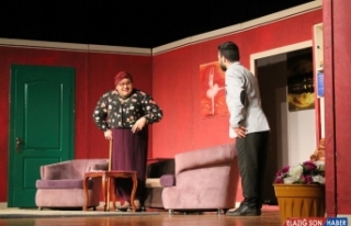 AKM'de, 'Kare As' isimli tiyatro oyunu sergilendi