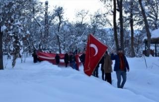 Avrupa Parlamentosunda Türk bayrağını yırtan...