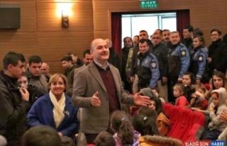 Bakan Soylu depremzede çocuklarla Rafadan Tayfa müzikal...