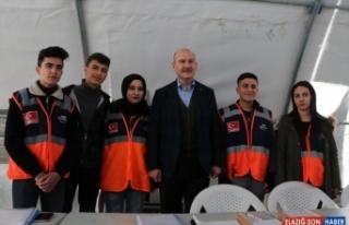 Bakan Soylu Elazığ'da depremzedelerle buluştu: