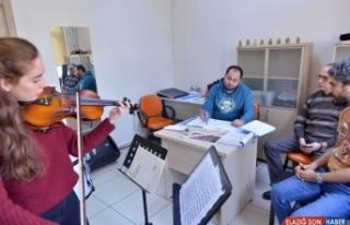 Büyükşehir Konservatuvarı Oda Orkestrası seçmeleri...