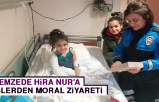 Depremzede Hira Nur'a Polislerden Moral Ziyareti