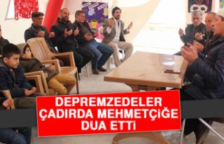 Depremzedeler Çadırda Mehmetçiğe Dua Etti