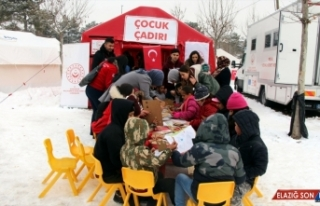 Elazığ'daki depremzede çocukları, üniversite...