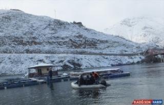 Fırat Nehri'nde batan teknedeki kişinin cesedine...