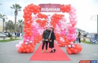 Kuşadası'nda 14 Şubat Sevgililer Günü coşkuyla...