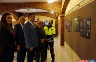"""""""Tarsus'tan 100 Yüz"""" sergisi açıldı"""